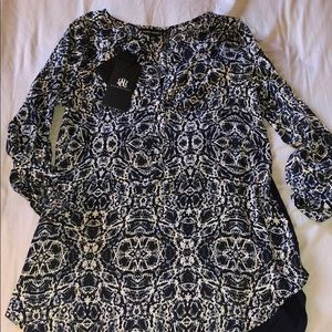 NWT blue printed blouse